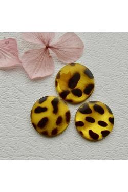 Helmes - Värvitud pärlikarp, leopard (20mm)