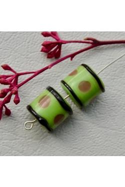 Klaashelmes - Täppidega, heleroheline (13x12mm)